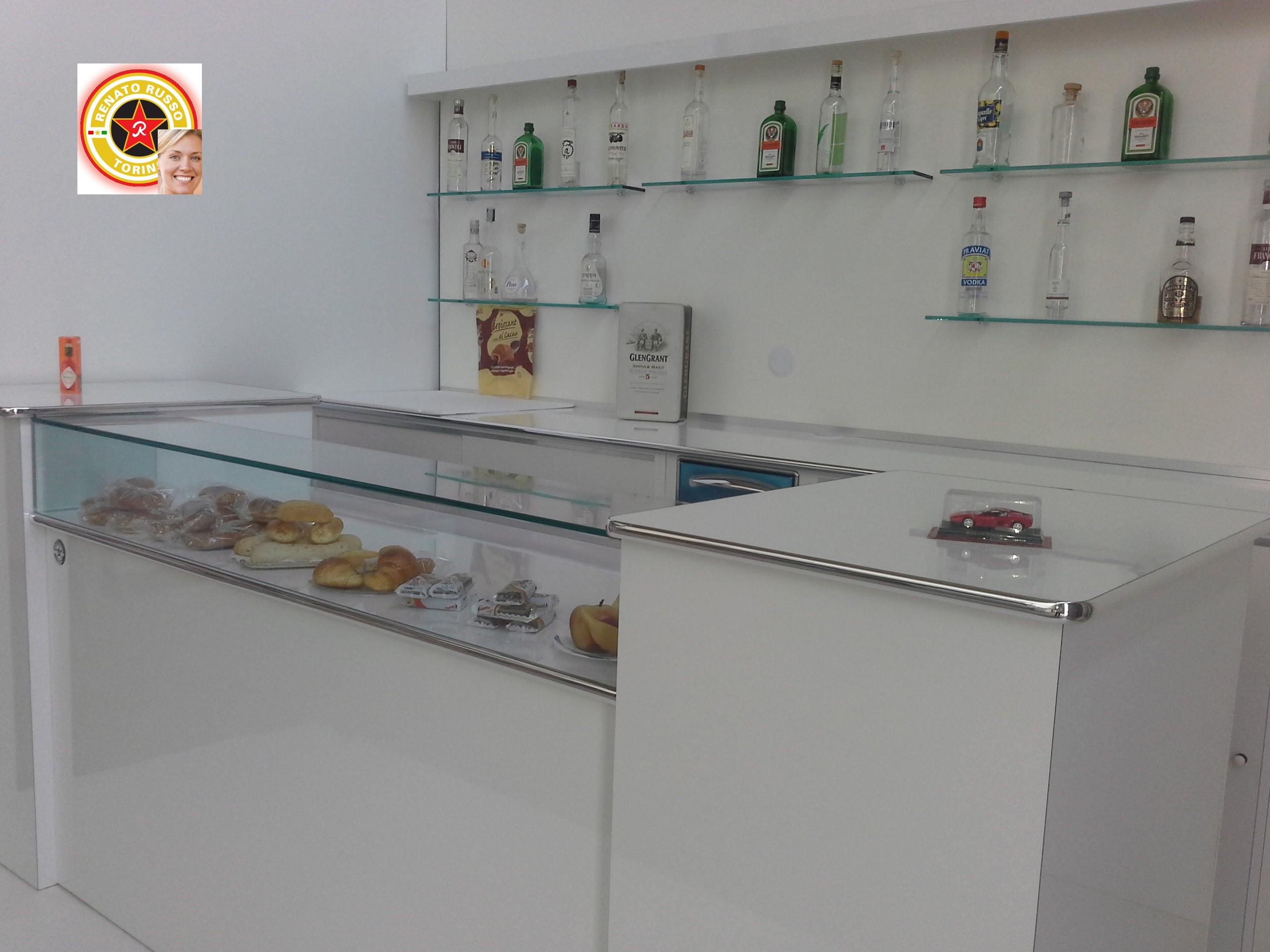 Banco bar milano compra in fabbrica banchi bar for Renato russo arredamenti